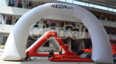 inflatable neon run arch