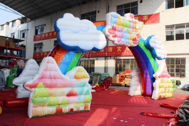 beautiful inflatable arch for family day