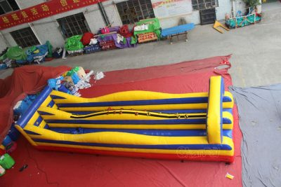 fun bungee run inflatable game