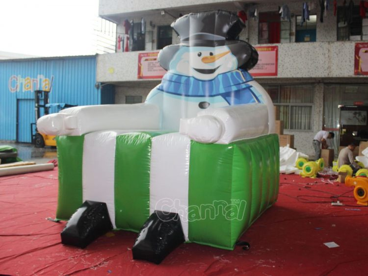 inflatable snowman chair for kids' Christmas photos