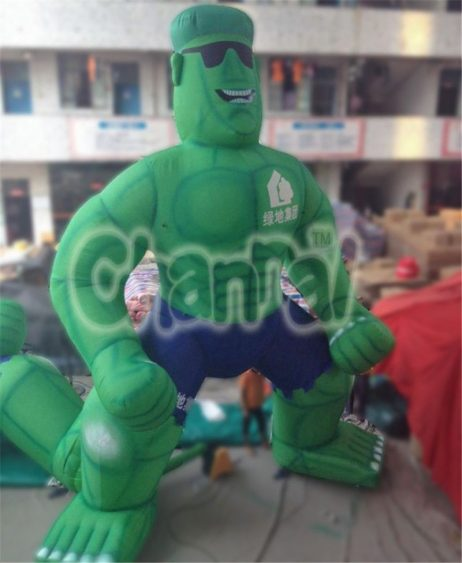 giant inflatable hulk for advertising