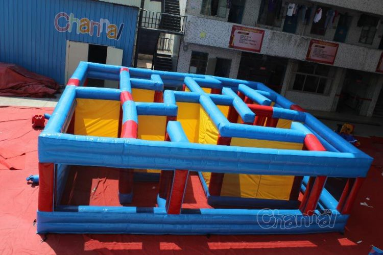 inflatable maze for carnival