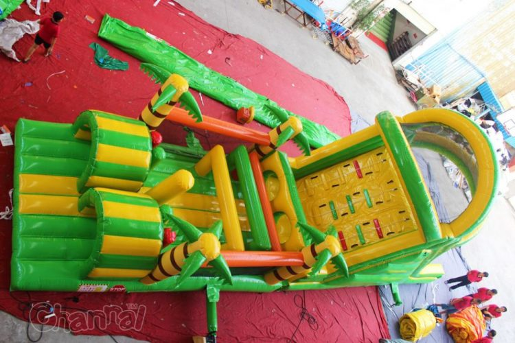jungle race inflatable obstacle course for kids