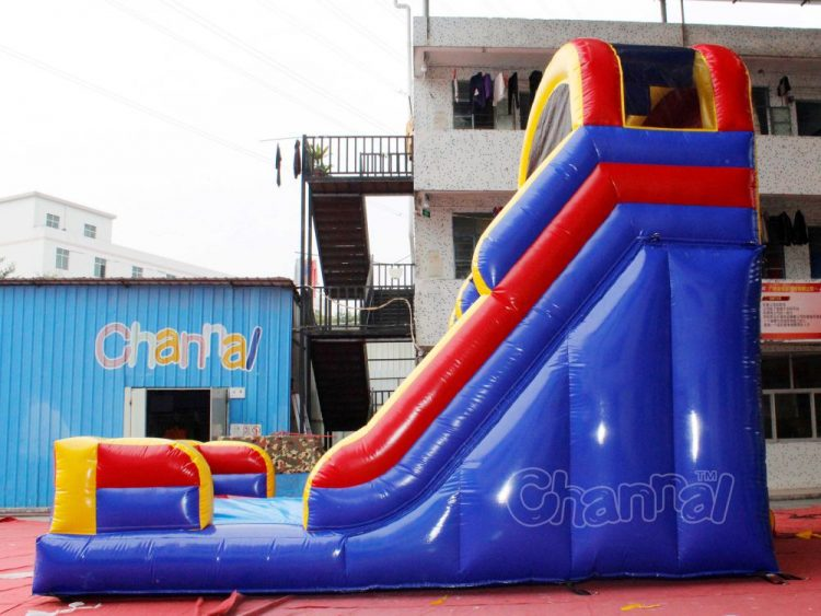 side view of 20 feet inflatable slide