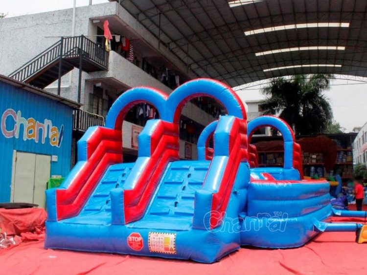 double lane inflatable wipeout course